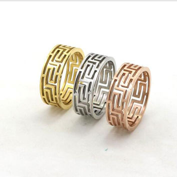 18K Gold Hollow Out G Pattern Ring Fashion Wedding Jewelry Titanium Steel Finger Ring for women and Men Greek Key Wedding Ring