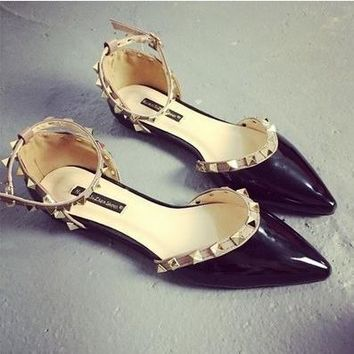 All-match Fashion Femal Hollow Pointed Shallow Mouth Rivet PU Paint Leather Flats Shoes Single Shoes Sandals Shoes