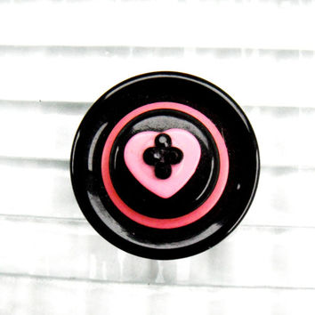 Valentine Magnet, Pink Black Heart Magnet, Valentine's Day Gift, Refrigerator Magnet, Recycled Button Craft, Gift Idea for Her, Home Decor