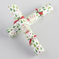 Medium Merry Christmas Tree Crackers 8 Count