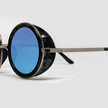Quay Throwback Black/Tort Blue Real Revo Sunglasses