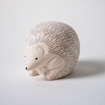 T-Lab POLÉPOLÉ Handcarved Wood Hedgehog