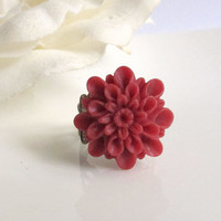 Burgundy Red Vintage Retro Inspired Large Dahlia Flower Ring. Maroon Burgundy Red Flowers Nature Shabby Chic Cocktail Ring