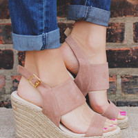 Smooth Sailing Wedge - Taupe
