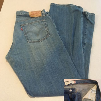 Vintage 527 Men's Levi's, Low Boot Cut Jeans, 34 x 34 Tall Man's Levi's Medium Wash Made in Columbia, No Tears Great Condition Slight Fading
