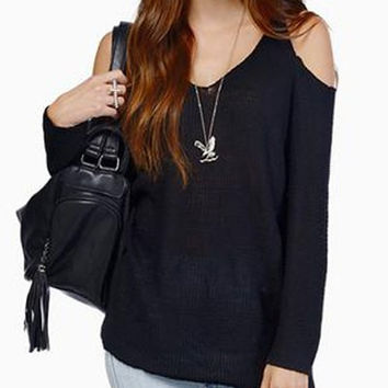 V-Neck Off Shoulder Knitwear