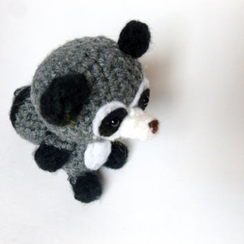 The Silent Raccoon Amigurumi Crochet Free Pattern #amigurumi ... | 354x354