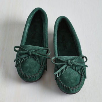 Fundamental Footwork Flat in Basil
