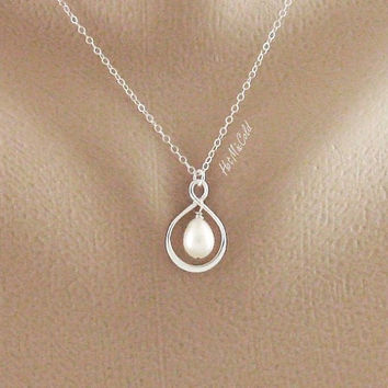 Infinity Pendant Pearl necklace Small Infinity by hotmixcold