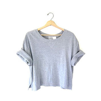 Vintage gray cropped tshirt. athletic sports tee shirt. work out shirt. slouchy basic tee. women's XL