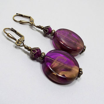 Purple and Gold Earrings, Marbled Vintage Lucite Beaded, Flat Round Drop Earrings, Bright Violet, Antiqued Brass, Lever Back Hook