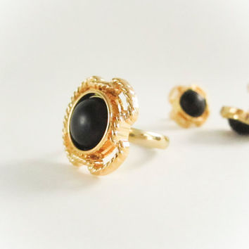 Vintage Black Frame Gold Ring, vintage button ring, bridesmaid jewelry, button ring,cross ring,spring jewelry, pearl ring, bridal party