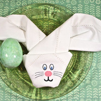 Folded Easter Bunny Cloth Napkins /Set of 4/ Happy Easter Napkins, Folded napkins, bunny napkins, Easter Table, Easter linens, Kid's Easter
