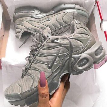 NIKE Air Max Plus Tn Ultra Wave Print Women Men Sneakers Fashion Shoes Grey