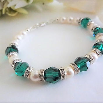 May Birthstone Bracelet Green Birthstone Jewelry Emerald Jewelry Swarovski Pearl and Crystal Bracelet May Birthday Gift For Her Mothers Gift