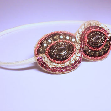 Embellished headband. Pink beaded headband. Vintage style bridal hairband. Elasticated hairband. Flapper style beaded hair accessory.