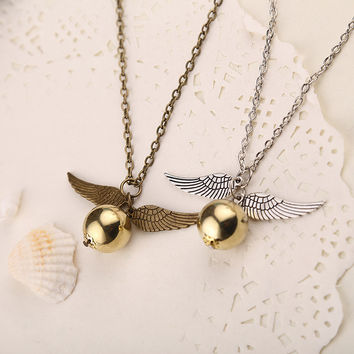 Movie Theme Jewelry Angel Wing Thin Necklaces Collares 2015 populares Quidditch Harry Movie Charm Golden Snitch Angel Pendent