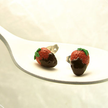 Tiny Strawberry Earrings, Strawberries Chocolate Earrings, Miniature Food Jewelry, Polymer Clay Food, Kawaii Jewelry,Earring Fruit Stud