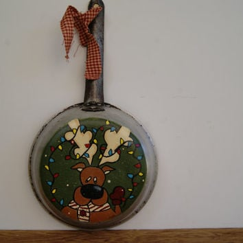 Christmas Reindeer Skillet ~ Hand Painted Christmas Decoration ~ Reindeer Decoration ~ Kitchen Decor