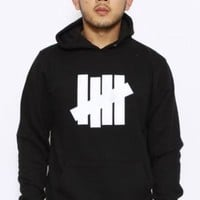 Undftd, 5 Strike Pullover Hoodie - Black/White - Outerwear - MOOSE Limited