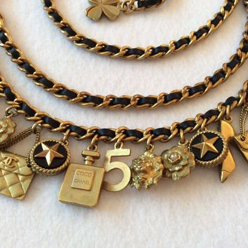 FAMOUS VINTAGE CHANEL '94A GOLD PLATED 21 CHARM BELT/ NECKLACE
