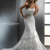 Dallyn - by Maggie Sottero