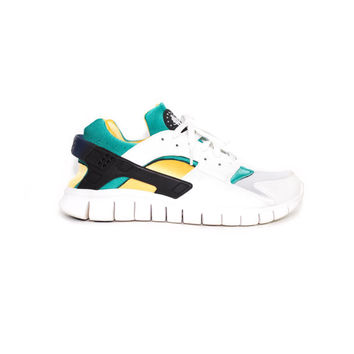 NIKE Huarache Free  - like new - 514594-100 - white / emerald -  nikes size 11 uk / 46 eur / mens 12