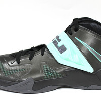 Nike Men's Zoom Soldier VII Black/Green Glove Basketball Shoes 599264 002