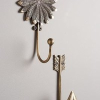 Hunter-Gatherer Hook by Anthropologie in Bronze Size: