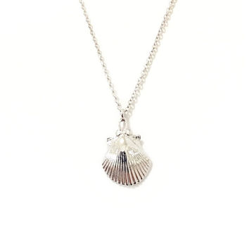 Solid 14K Gold Seashell Charm Pendant Necklace {available in Yellow, White or Rose Gold}