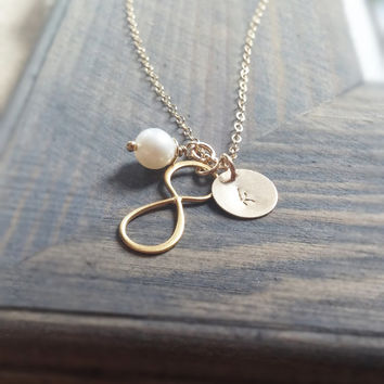 Personalized Jewelry // Gold Infinity Necklace with Hand Stamped Initial Disc and Freshwater Pearl