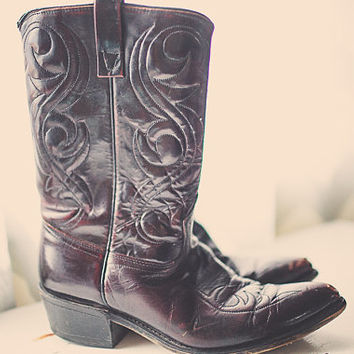 Vintage 80s Cowboy boots Acme Burgundy Maroon Oxblood Brown with Embroidery Heavy Leather Boots Men's 9.5D Boho Bohemian Western