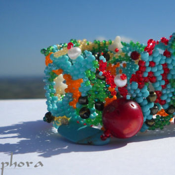 Beadwork bracelet - Beaded bracelet - freeform peyote - Beaded cuff bracelet