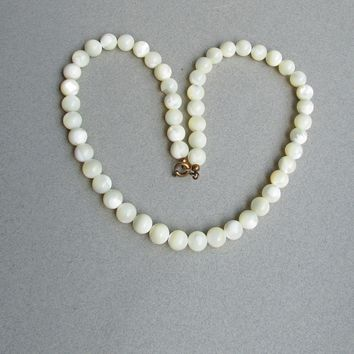 Vintage Mother-of-Pearl Iridescent Carved Shell Bead Necklace