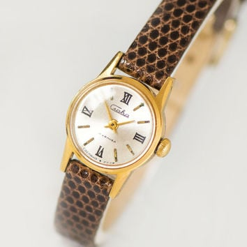 Very small woman's watch Glory, tiny lady watch gold plated, classical timepiece gift her, minimalist watch retro, new luxury leather strap