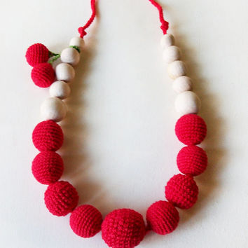 Red crochet  necklace / Teething Necklace/ Crochet Breastfeeding Necklace/ eco-friendly jewellry / for moms  and babies