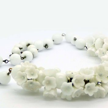White Glass Flower Beaded Necklace