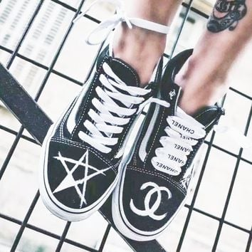 Chanel  VANS Casual Shoes Men And Women White Cloth Shoes