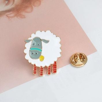 Trendy Cartoon Animal Sheep Brooch Metal Enamel White Button Pins Denim Jacket Clothes Bag Pin Badge Gift for Kids Fashion Jewelry AT_94_13