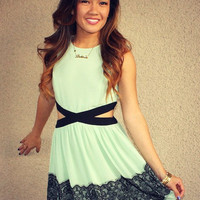 Side Cutout 'Ashley' Dress (Mint)