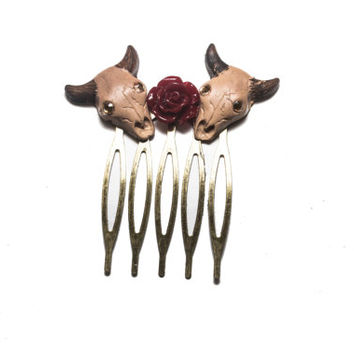 Bull Skulls and Roses hair comb