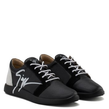 Giuseppe Zanotti Gz G Runner Black Calfskin Leather Low-top Sneaker With White Logo