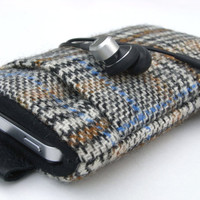 iphone 4s Case / iphone Cover / Sleeve / ipod touch / by pomella