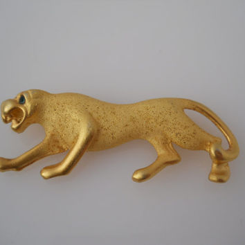 Panther Cougar Large Cat Gold Tone Brooch With Emerald Eyes