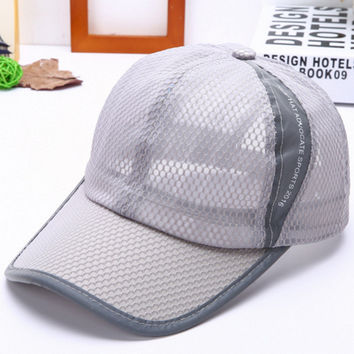 2016 new fashion sports caps Baseball cap Mesh hat Ventilate and cool hats for girl boy women men Solid cotton Adjustable hat