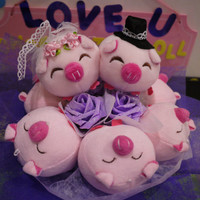 Wedding Pig Plush Flower Bouquet. Great for Wedding, Anniversary, Proposal!