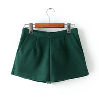 Pleat Woolen Shorts With Pocket