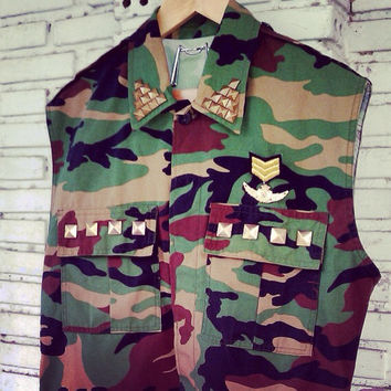 Vintage Vest Cut Off Camouflage Army Jacket With Studded / Military Vest Jacket  Size M/L Regular