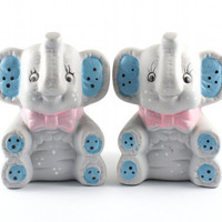 Vintage Elephant Salt and Pepper Shakers Cute Kitsch Mid Century / 50s 60s