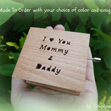 wedding music box, personalized gift, mother of the bride gift, wedding shower gift, gift for my parents, custom music box, wooden music box